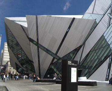 カナダ留学にオススメな人気都市 トロントロイヤルオンタリオ博物館